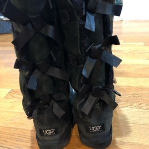 UGG Black Bow Tie Boots!